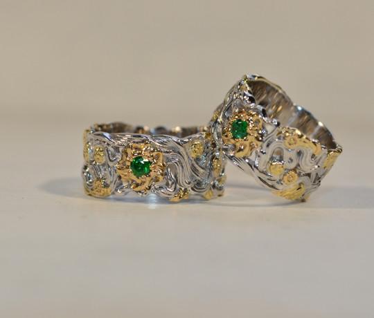 Эксклюзивные обручальные кольца изготовленные из белого и желтого золота