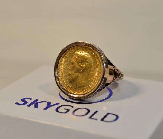 Эксклюзивный перстень с эмалью и золотой монетой Николая 2 под сапфировым стеклом