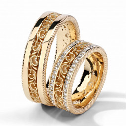 Авторские свадебные кольца с узорами и мелкими камнями