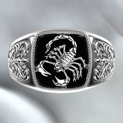 Золотая мужская печатка скорпион 1904087