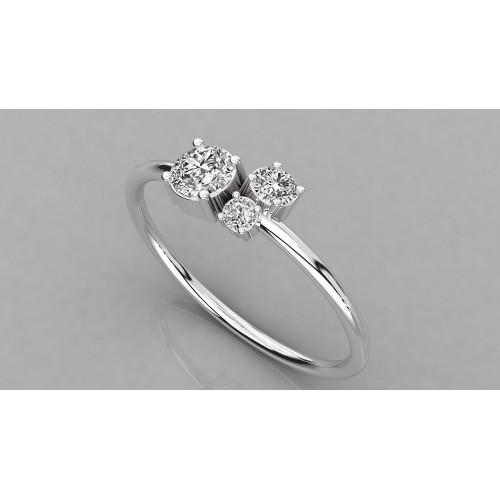 Женское золотое кольцо с тремя бриллиантами 2083158