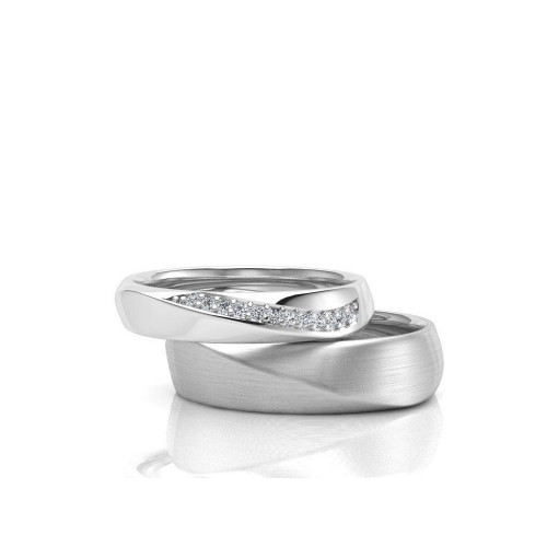 Золотые свадебные кольца с дорожкой бриллиантов 102763