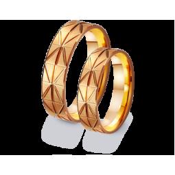 Золотые обручальные кольца с алмазной огранкой 411184