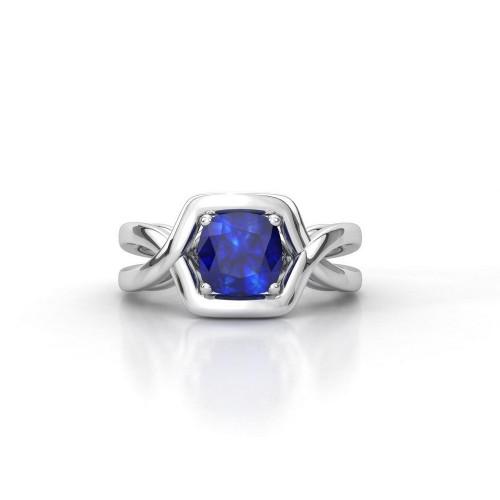 Золотое кольцо с крупным камнем 2170313