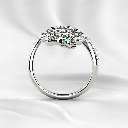 Золотое кольцо в форме змеи с бриллиантами 2232752
