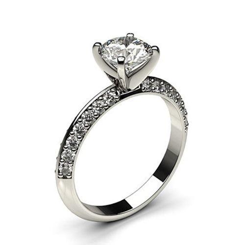 Классическое золотое женское кольцо с бриллиантами 2204509