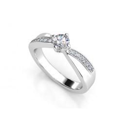 Женское кольцо из белого золота с бриллиантами 2032717