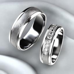 Золотые свадебные кольца с дорожкой бриллиантов 2155399