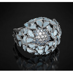 Эксклюзивное женское кольцо с топазами и эмалью 2440398