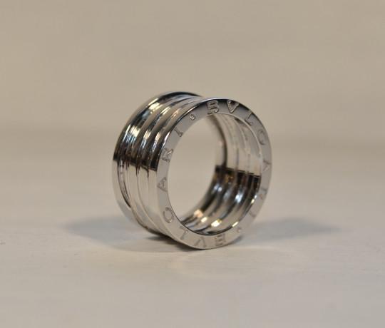Золотое широкое кольцо в стиле Bvlgari