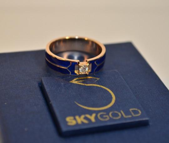 Золотое кольцо с темно синей эмалью