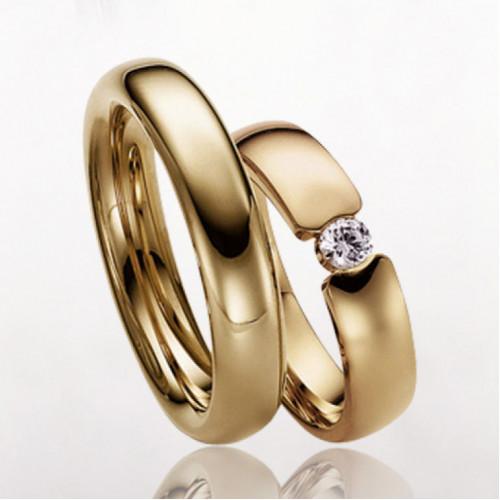 Классические обручальные кольца с бриллиантом 2113052
