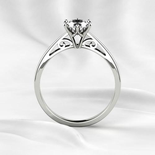 Классическое золотое кольцо с крупным бриллиантом 2281279