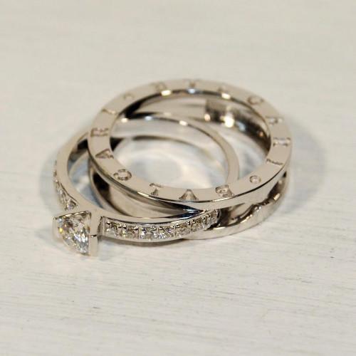 Золотое женское кольцо с камнями в стиле Bvlgari b.Zero Women's Ring 059