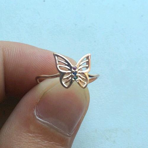 Недорогое симпатичное колечко бабочка 2580
