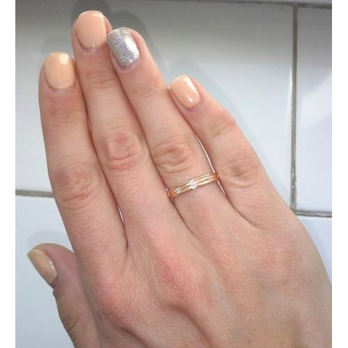 Золотые узкие обручальные кольца с синими и белыми фианитами 2597