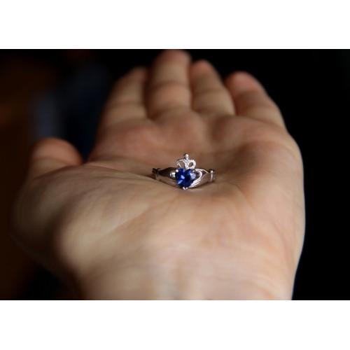Женское кладдахское кольцо из белого золота White Celtic 120063